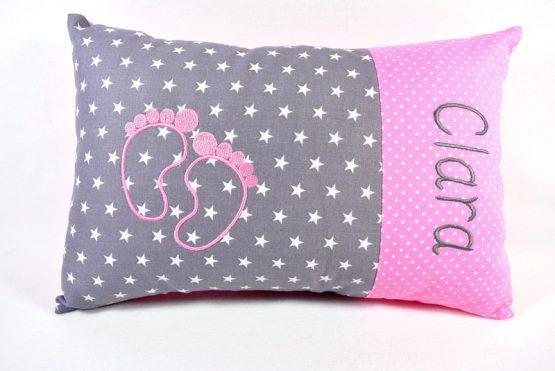 Kissen mit Namen Babyfüsse Mädchen
