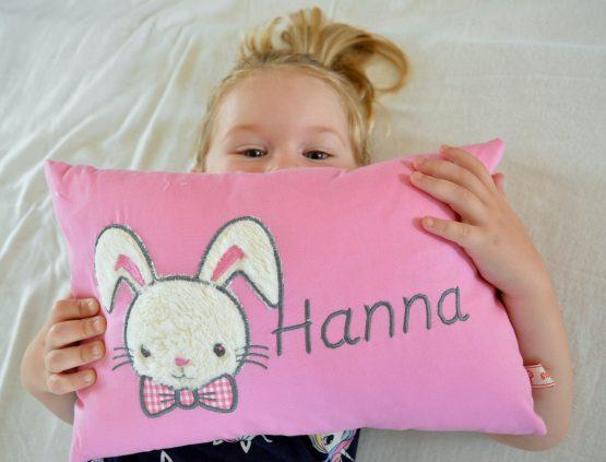 Kissen mit Namen Hase rosa